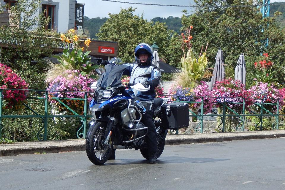 Motorrijbewijspoint Barendrecht examengarantie AVB en AVD